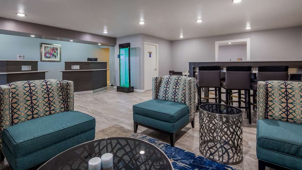 Best Western Deming Southwest Inn - Business and leisure travelers alike will notice our inviting lobby is the perfect refuge for today's busy traveler.