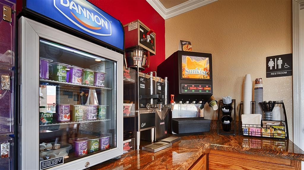 Best Western Santa Rosa Inn - Enjoy coffee, juices, yogurt and more for breakfast when you stay with us!
