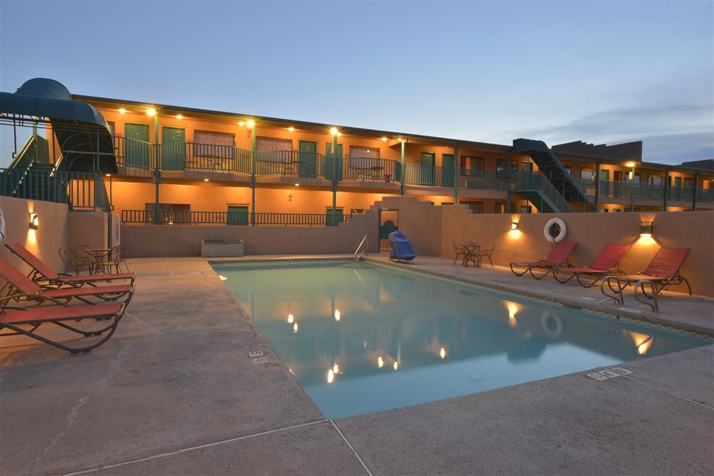 Best Western Kokopelli Lodge - Our outdoor pool is the perfect place to rejuvenate after a day of exploring Clayton, New Mexico.