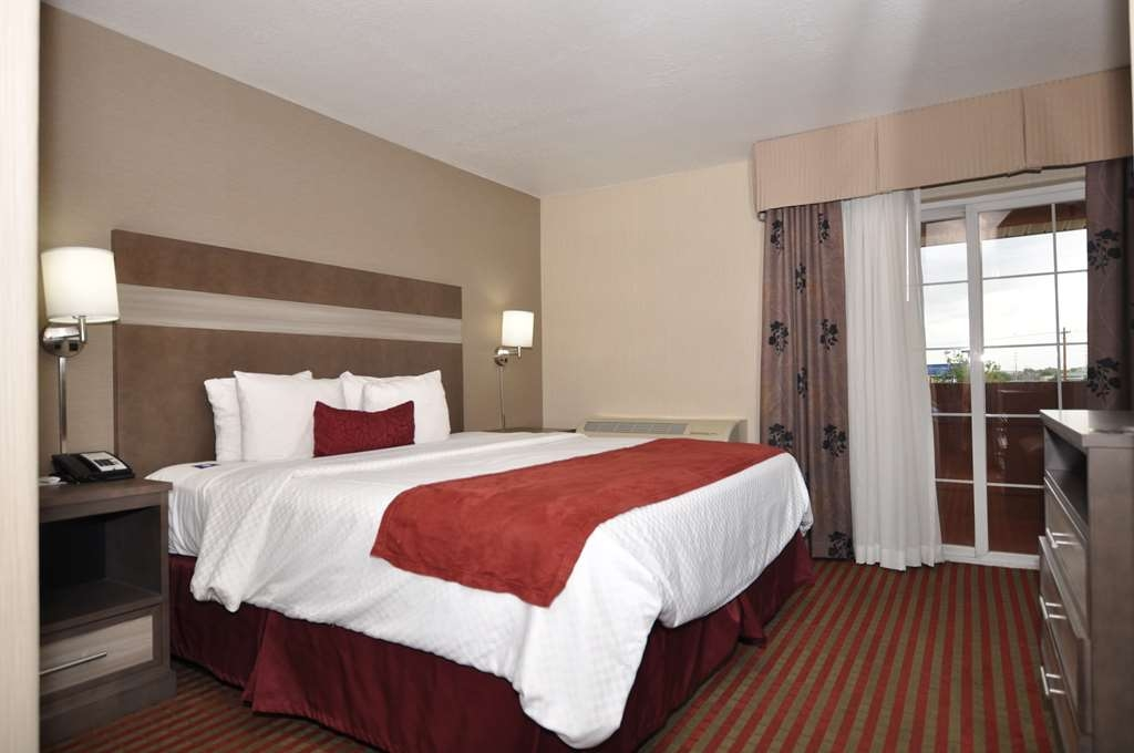 Best Western Plus Executive Suites - Balcony Suite (One King Bed)