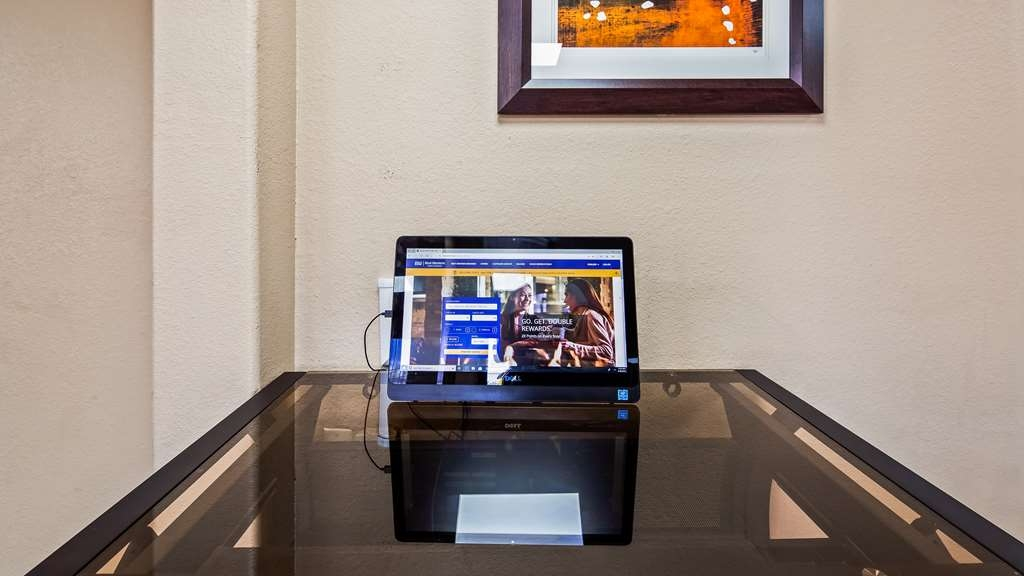 Best Western Executive Inn - Take advantage of our business center with complimentary computer, internet and fax services.