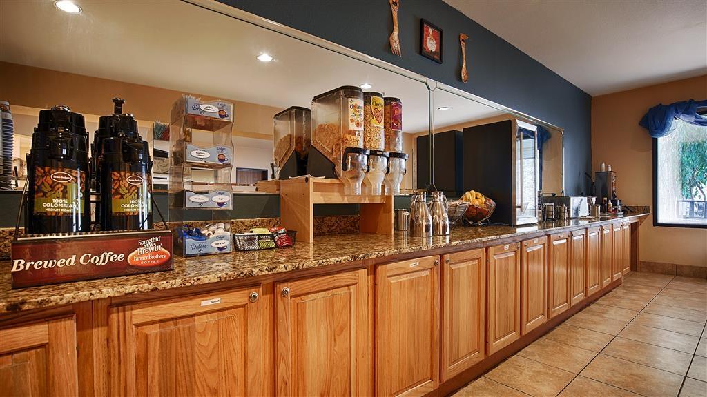 Best Western Plus Ruidoso Inn - Zona de desayunos