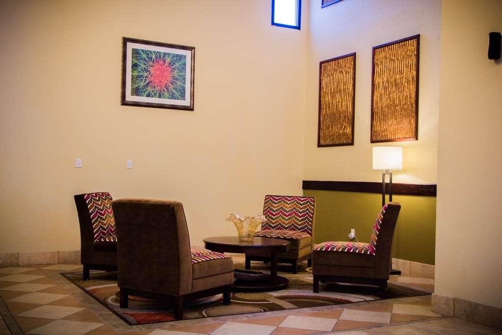Best Western Plus Ruidoso Inn - Vista del vestíbulo