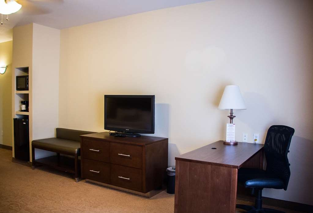 Best Western Plus Ruidoso Inn - All our rooms features a microwave and refrigerator for your convenience