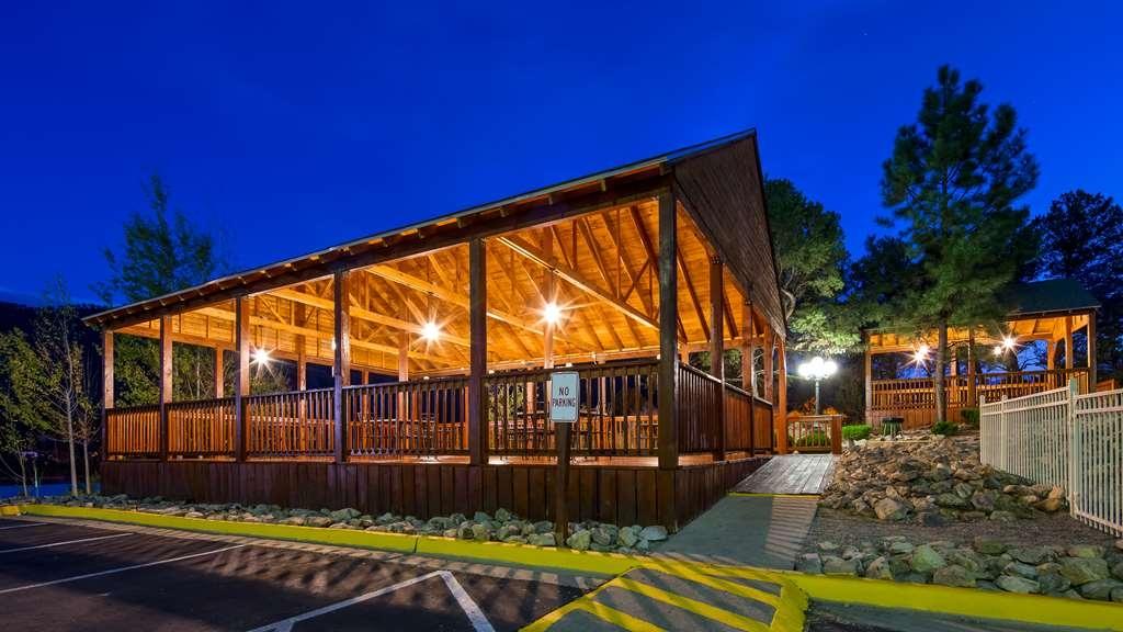 Best Western Plus Ruidoso Inn - Night Gazebo