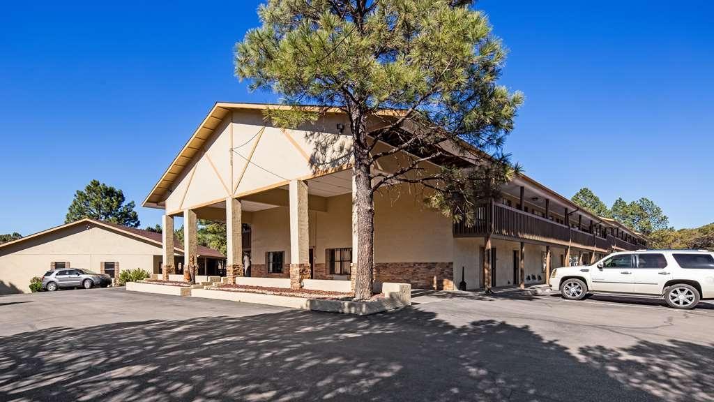 Best Western Pine Springs Inn - Façade