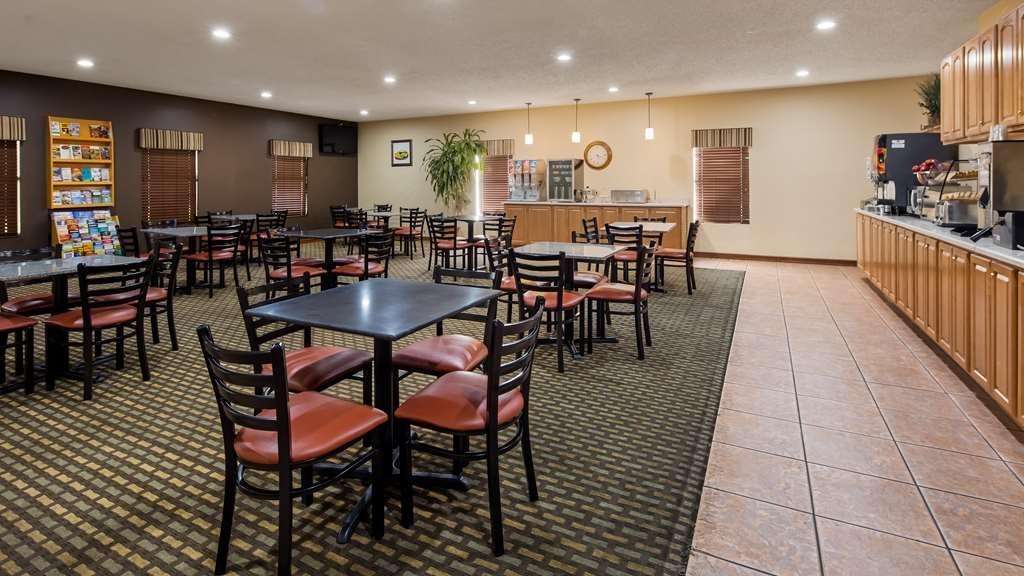 Best Western Pine Springs Inn - Profitez d'un petit déjeuner gratuit tous les matins durant votre séjour.