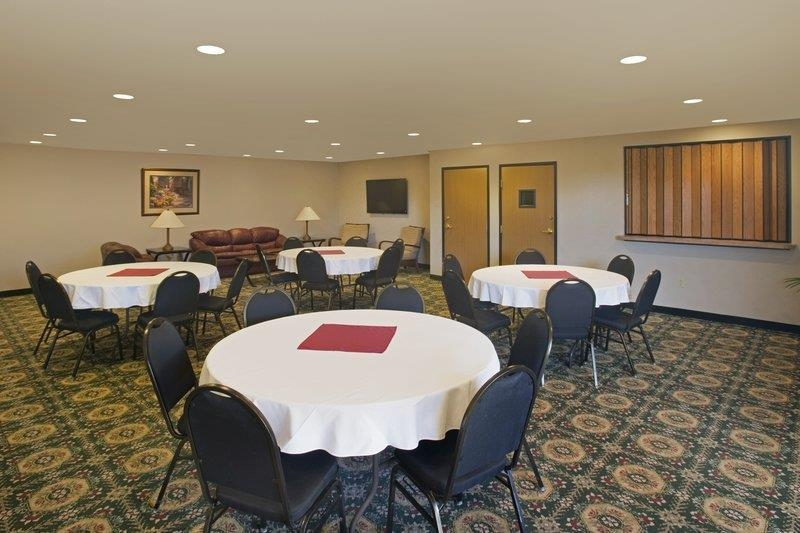 Best Western Socorro Hotel & Suites - Our professional staff is here to go above and beyond your expectations to ensure your meeting is perfect.