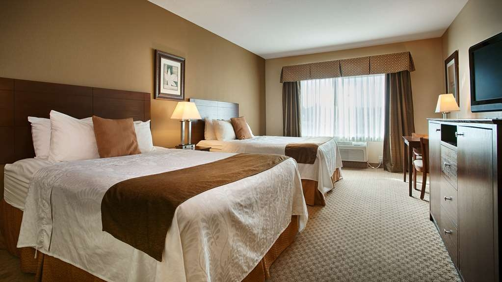 Best Western Plus Montezuma Inn & Suites - Two Queen Beds, UHD TV, Microwave, Refrigerator, Activity Table