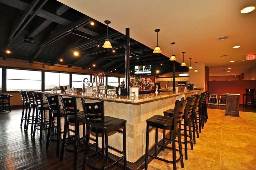 Best Western Plus Raton Hotel - Mulligan's Restaurant & Bar