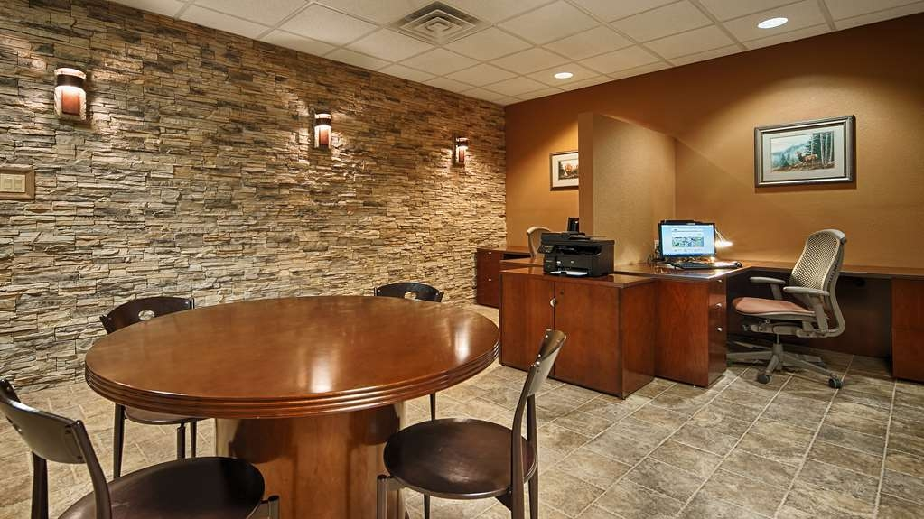 Best Western Plus Raton Hotel - Business Center