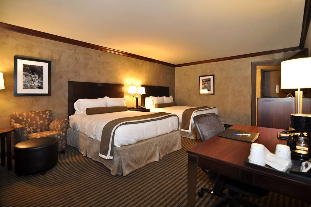 Best Western Plus Raton Hotel - Double Queen Guest Room