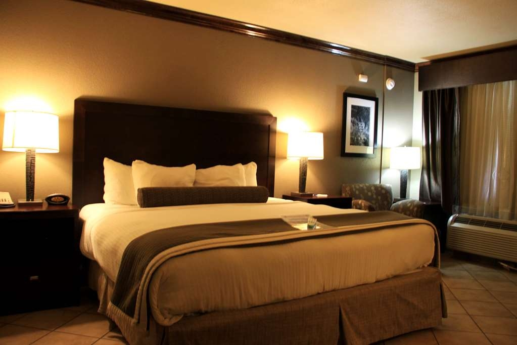 Best Western Plus Raton Hotel - King Pet Friendly Guest Room