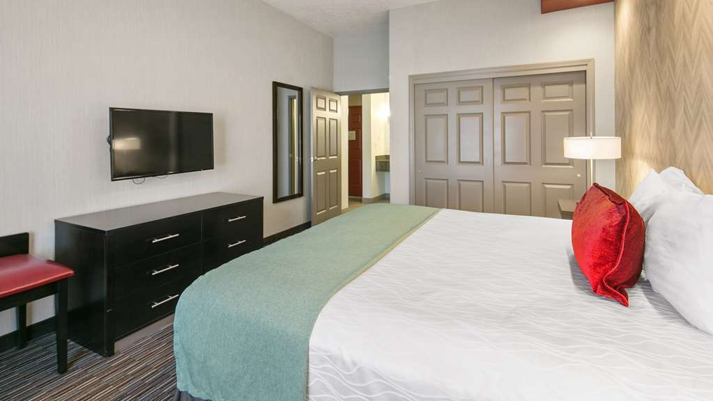 Best Western Plus Gallup Inn & Suites - Book our King room and relax the night away.