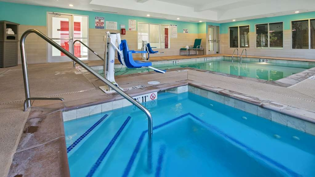 Best Western Plus Gallup Inn & Suites - Enjoy our indoor swimming facility