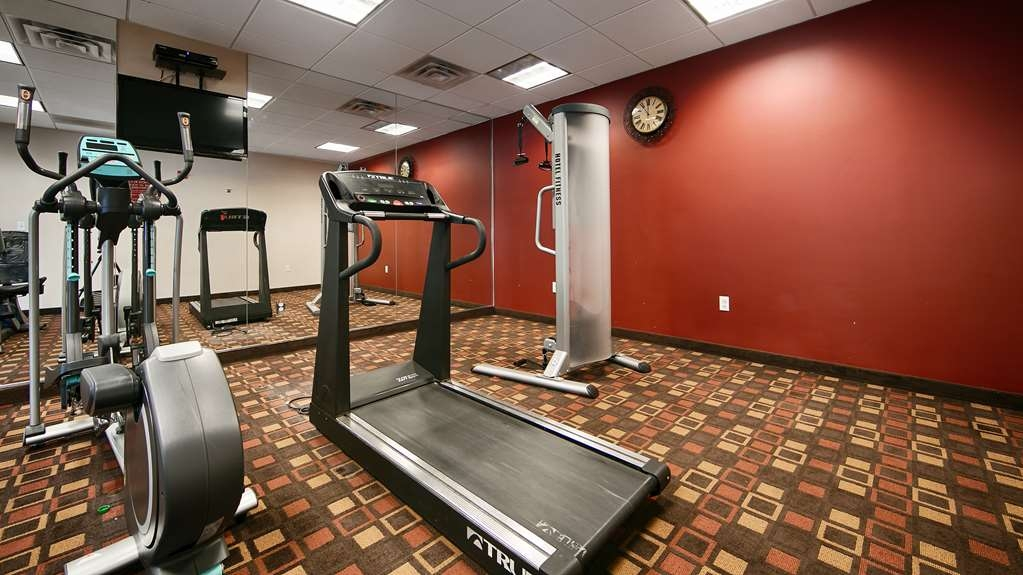 Best Western Bar Harbour Inn - Stay healthy while visiting Massapequa Park NY in our fully equipped fitness center.