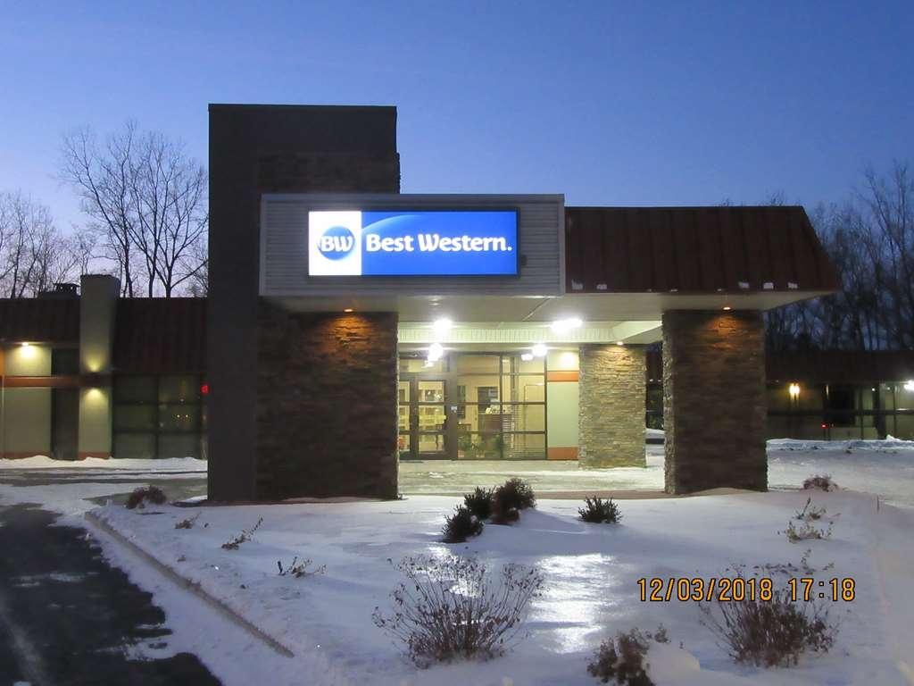 Best Western Gateway Adirondack Inn - Außenansicht