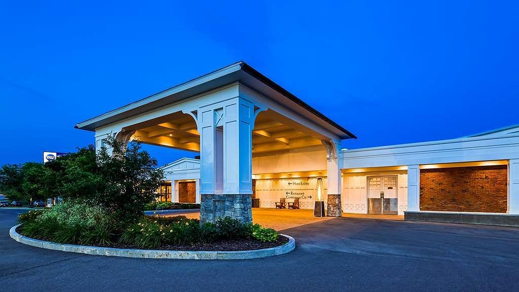 Best Western University Inn - Begin your stay in Canton at the Best Western University Inn