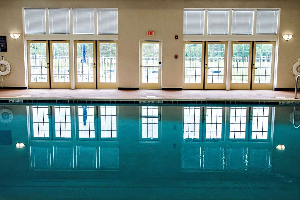 Best Western University Inn - Enjoy our indoor swimming pool with Sun Deck overlooking 18 hole golf course
