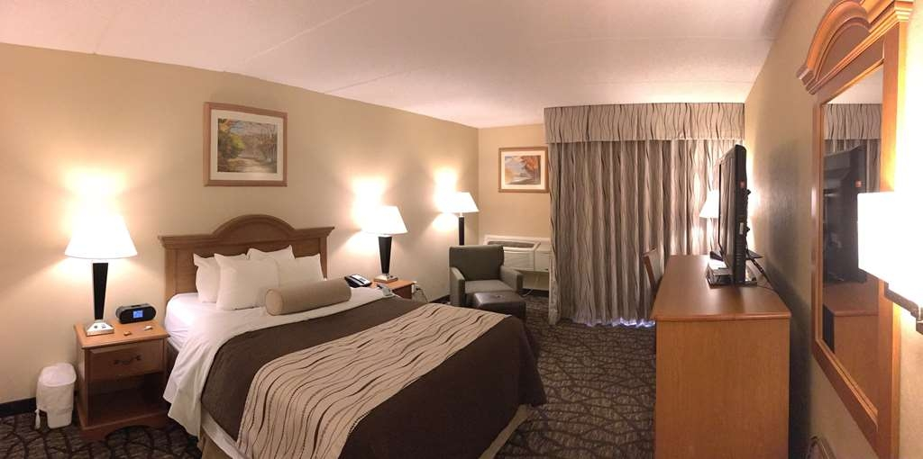 Best Western Clifton Park - Poolansicht