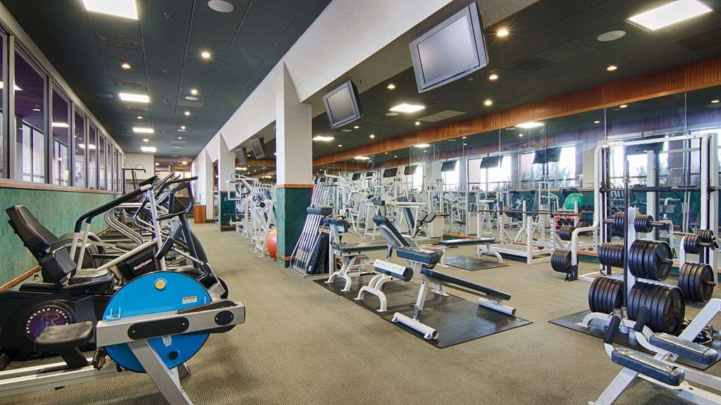 Best Western Plus Oswego Hotel and Conference Center - Maintain your home exercise routine in our fully equipped fitness center.