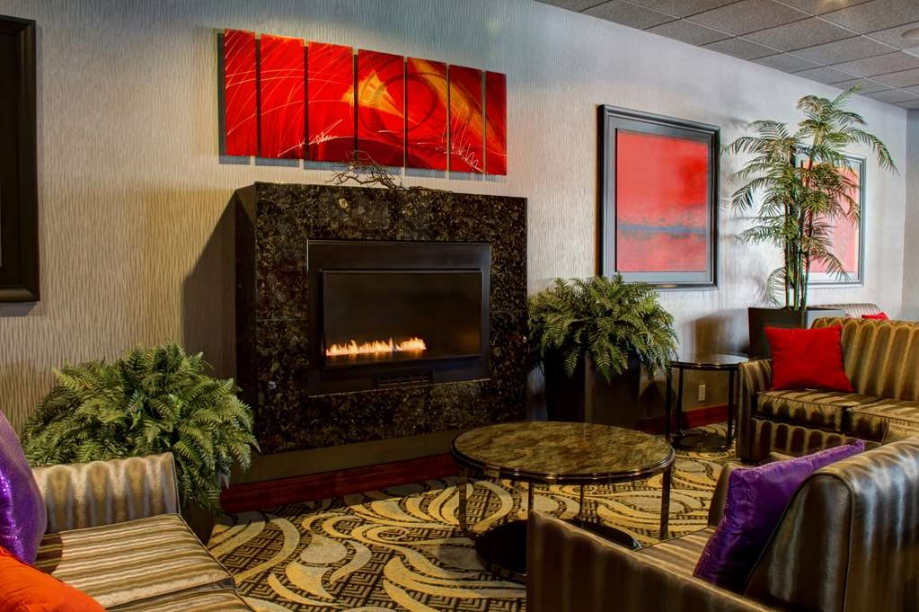 Best Western Plus Oswego Hotel and Conference Center - Conference Lobby