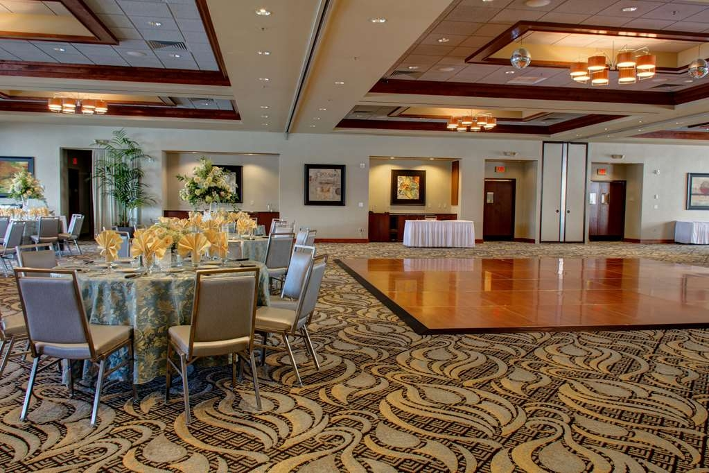 Best Western Plus Oswego Hotel and Conference Center - Conference Ballroom