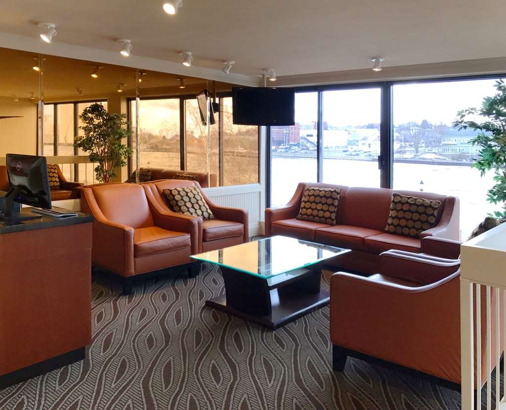 Best Western Plus Oswego Hotel and Conference Center - Meet up with friends or enjoy some quiet time and grab a complimentary cup of coffee or tea in our lobby.