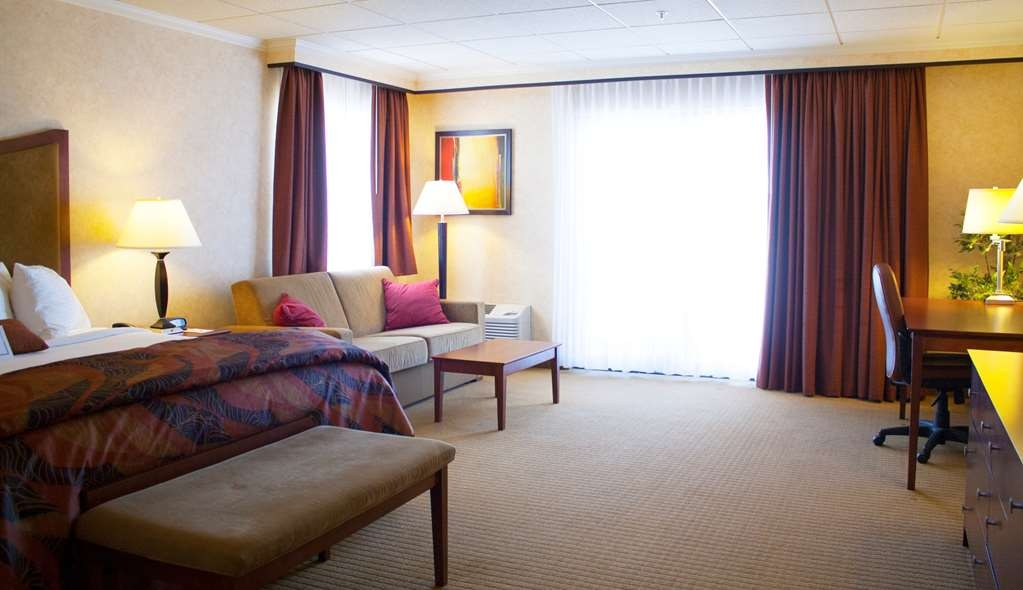 Best Western Plus Oswego Hotel and Conference Center - King Lake view/River View Suite or Lake View/River View Standard King