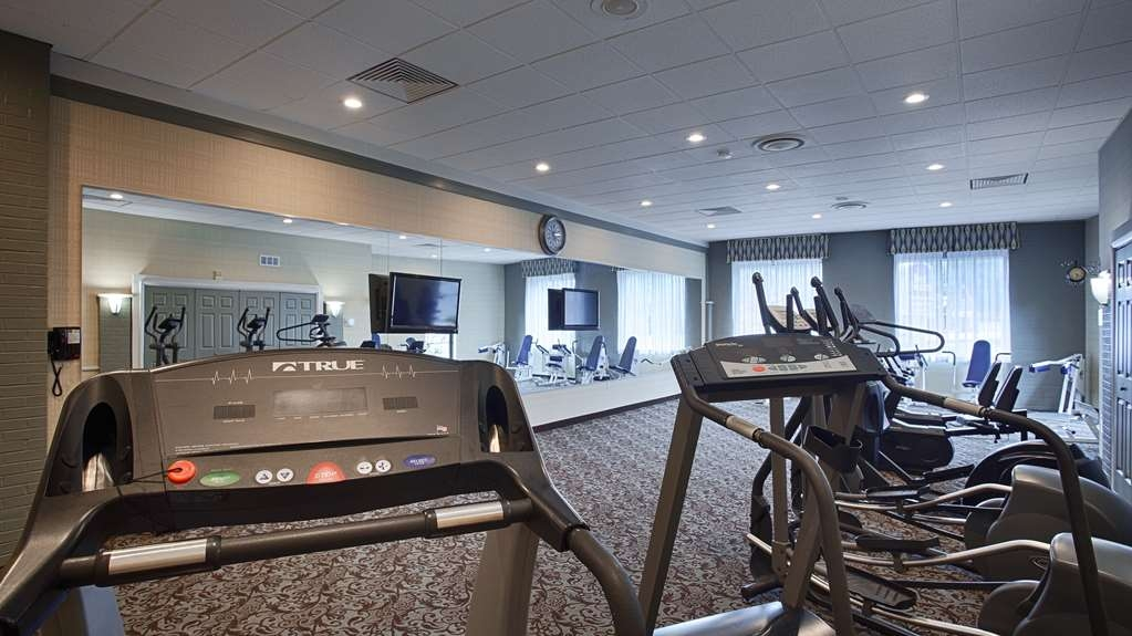 Best Western Summit Inn - Our fitness center includes several pieces of equipment to help you stay fit while on the road.