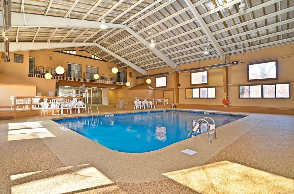 Best Western Summit Inn - piscina coperta