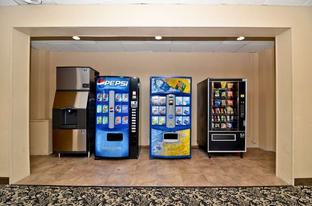 Best Western Summit Inn - Late night craving? If you are thirsty or need ice or a snack please visit our vending area!