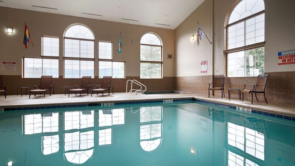 Best Western Cooperstown Inn & Suites - Vista de la piscina