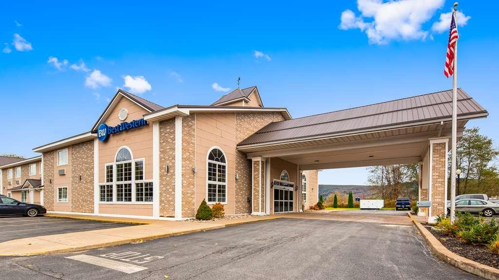 Best Western Cooperstown Inn & Suites - Vista Exterior