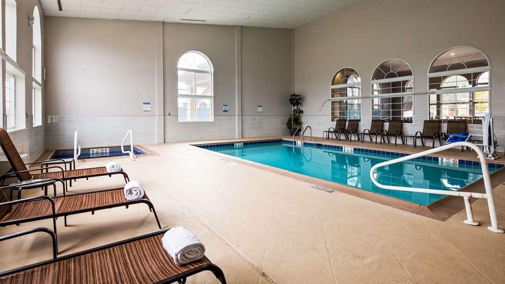 Best Western Cooperstown Inn & Suites - Vista de la piscina