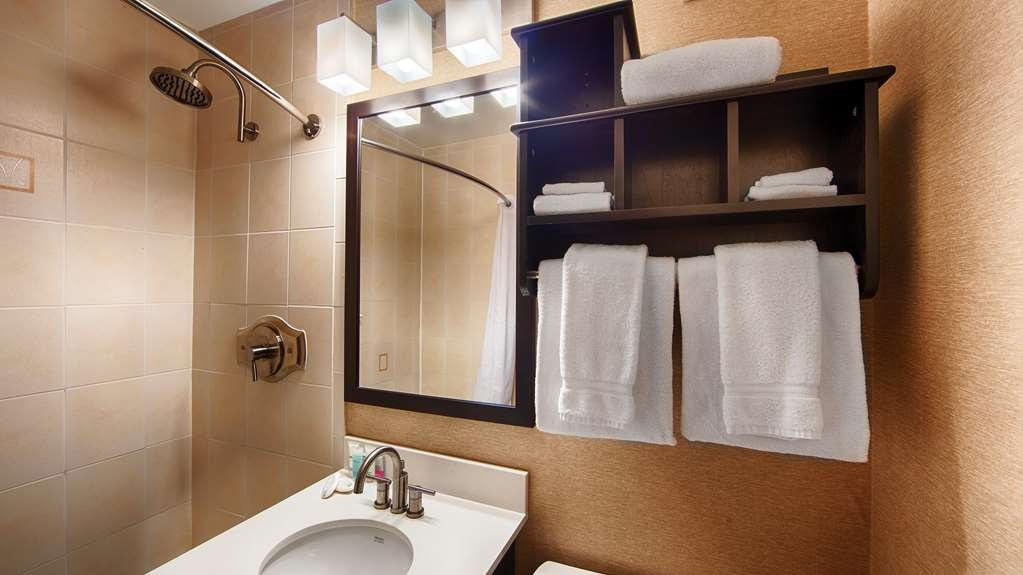 Best Western Watertown Fort Drum - Baño