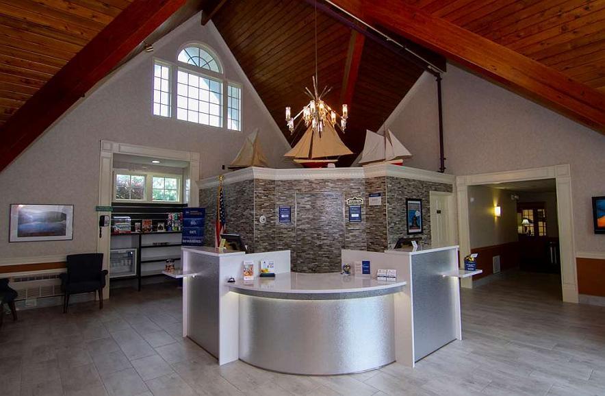 Best Western Plus Plattsburgh - Hall