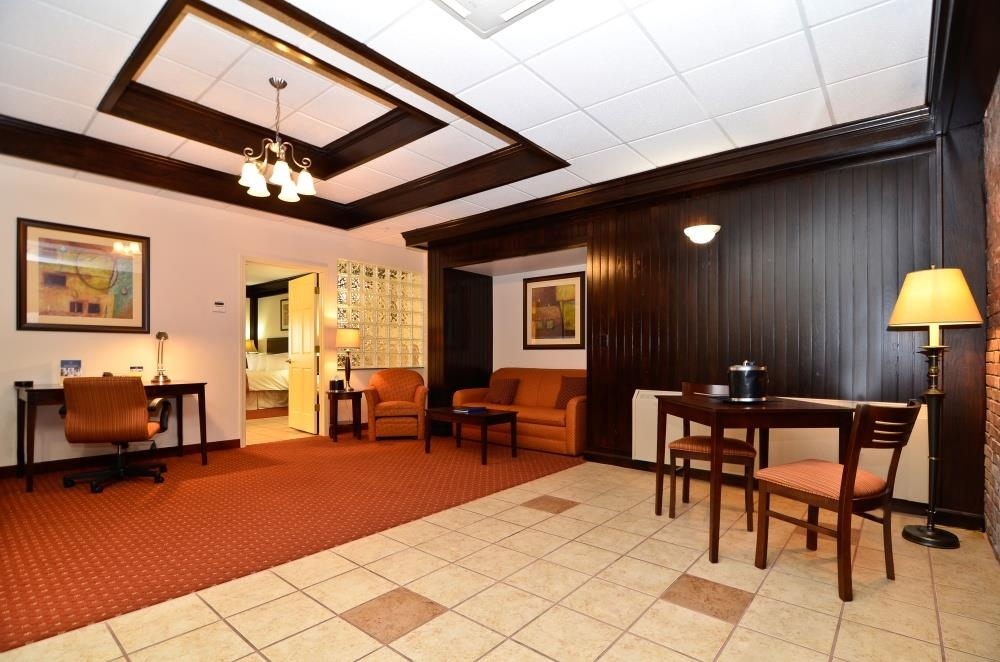 Best Western Plus Plattsburgh - This two room king small suite has a living area with one pull-out couch, full size kitchenette and a whirlpool tub.