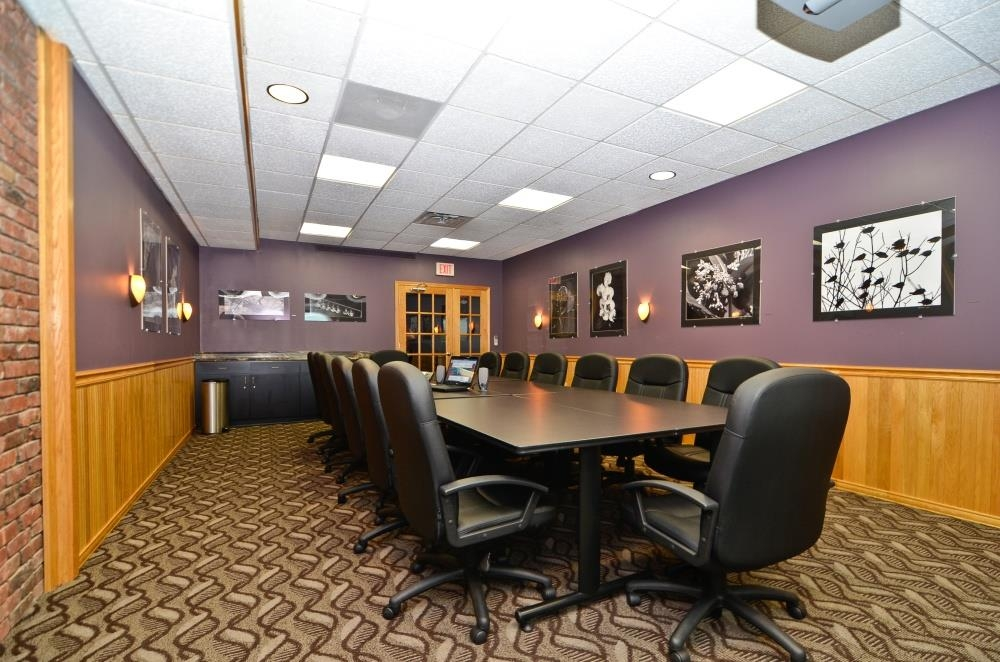 Best Western Plus Plattsburgh - Coffee or a continental breakfast can be included in your meeting room. Break out for lunch or order in from the Ground Round Bar & Grill next door.