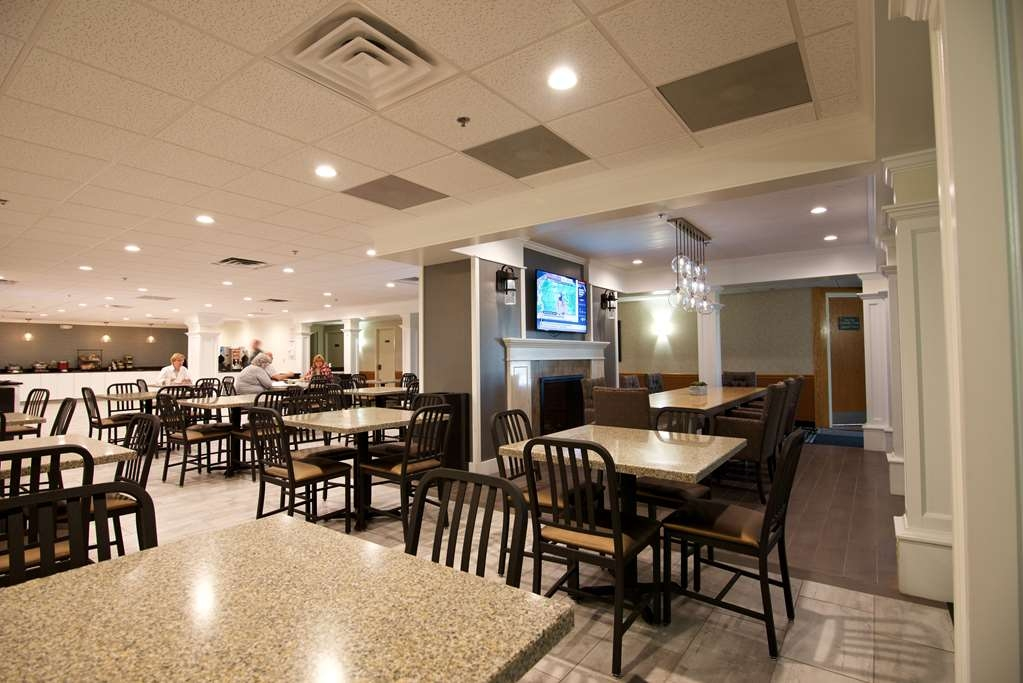 Best Western Plus Plattsburgh - Restaurant / Etablissement gastronomique
