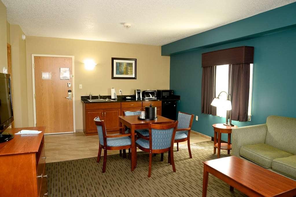 Best Western Plus Plattsburgh - Guest room