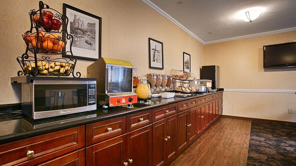 Best Western Queens Court Hotel - Complimentary Breakfast