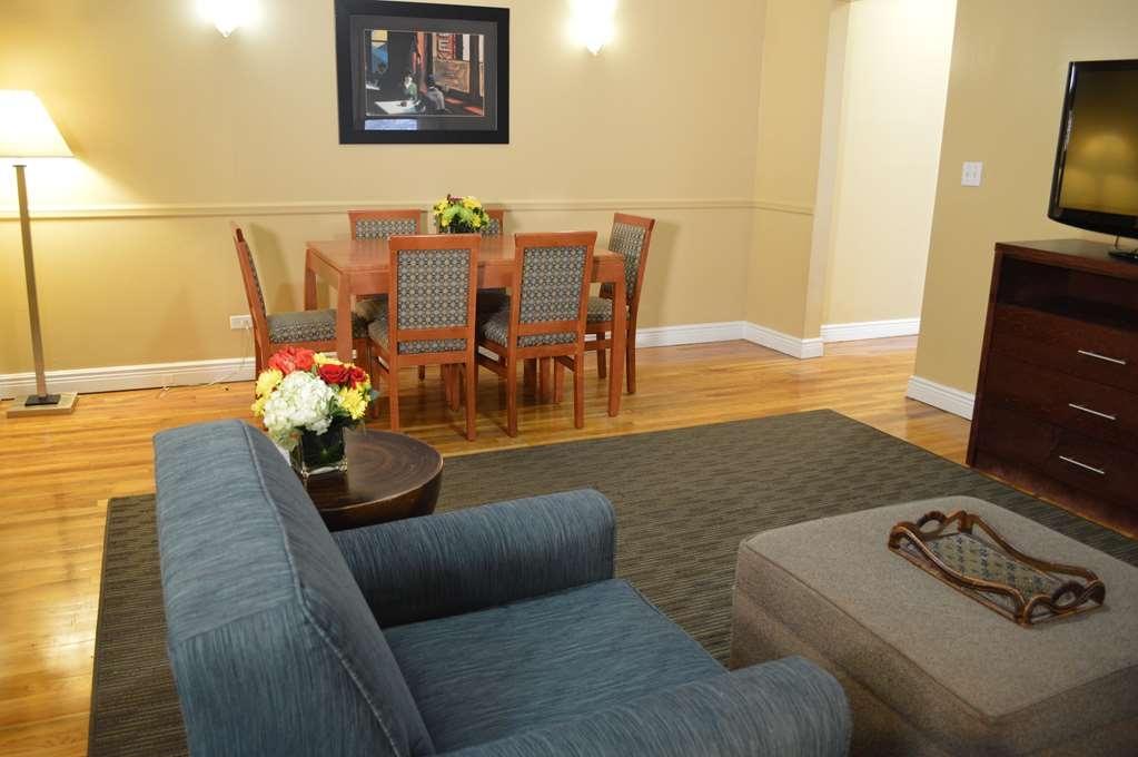 Best Western Plus Hospitality House - Chambre d'agrément