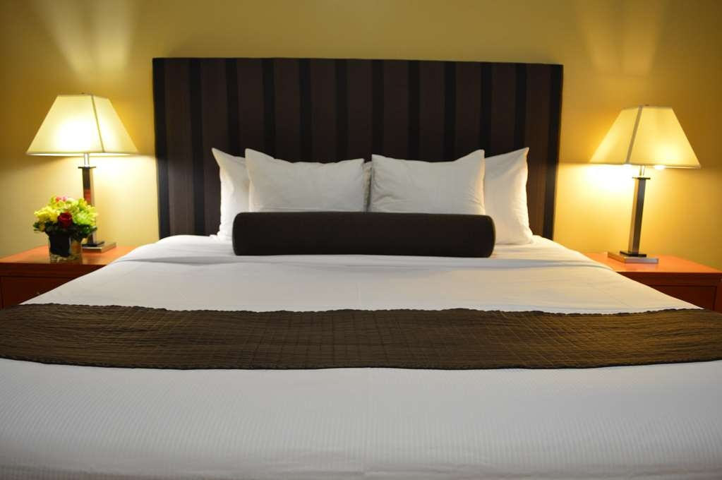Best Western Plus Hospitality House - Chambres / Logements