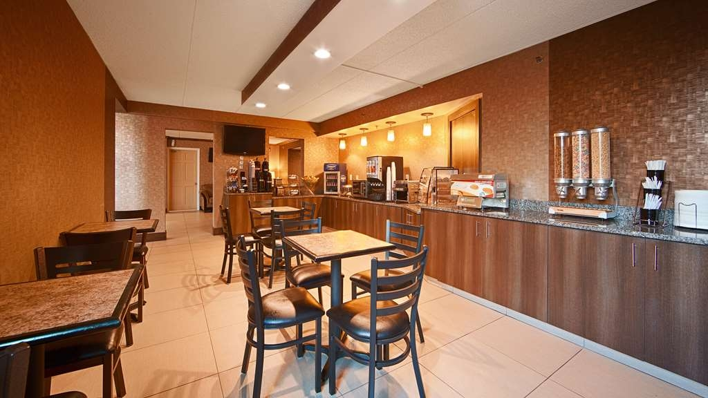 Best Western The Inn at Buffalo Airport - Le petit déjeuner buffet