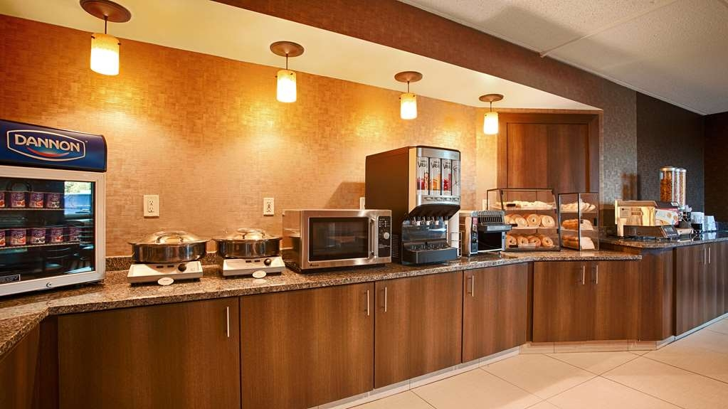 Best Western The Inn at Buffalo Airport - Petit-déjeuner gratuit