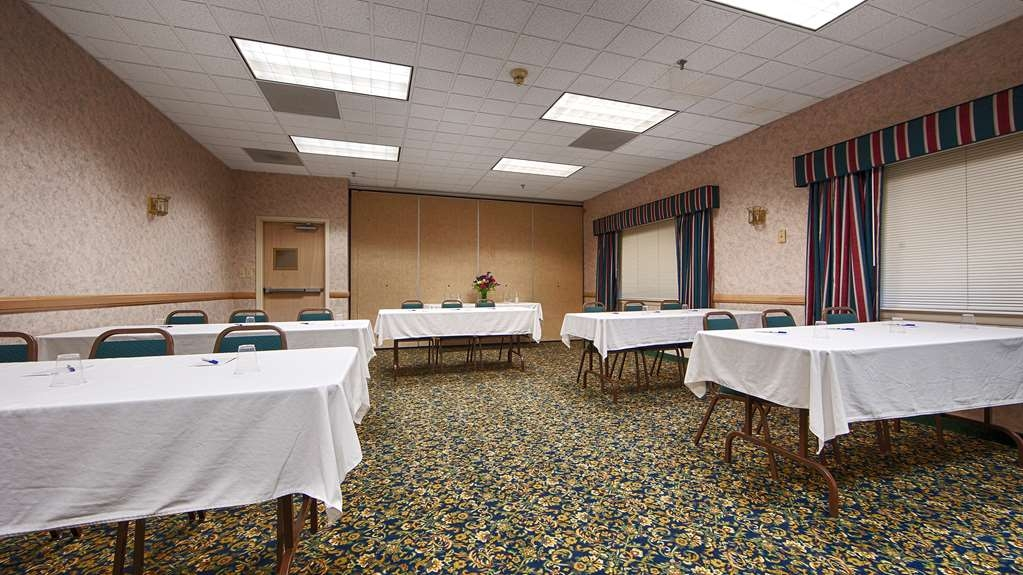 Best Western Saranac Lake - Hold your next meeting with us! Our meeting room accommodates up to 60 guests.