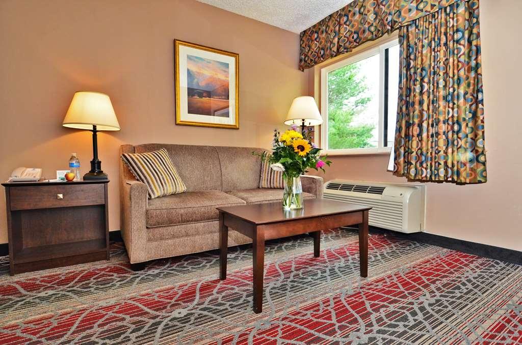 Best Western Saranac Lake - Queen Sleeper Sofa