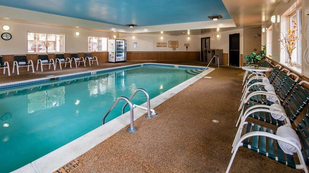 Best Western Saranac Lake - Vista de la piscina