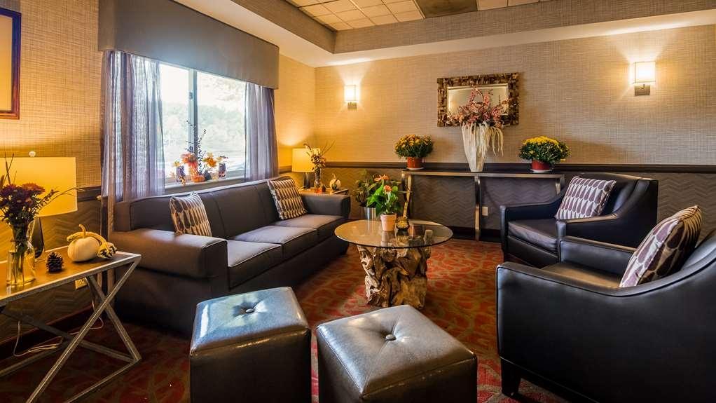 Best Western Saranac Lake - Lobby